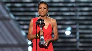 Robin Roberts accepts the Arthur Ashe Award for Courage at 2013 ESPYs
